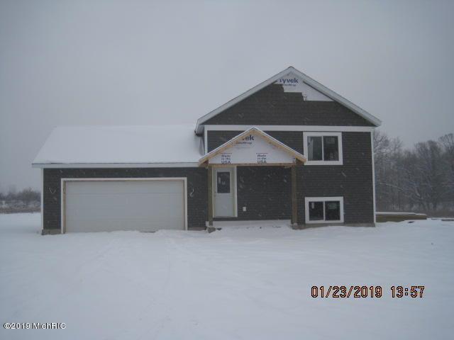 5118 North Point Drive, Pierson, MI 49339 (MLS #18054823) :: Deb Stevenson Group - Greenridge Realty