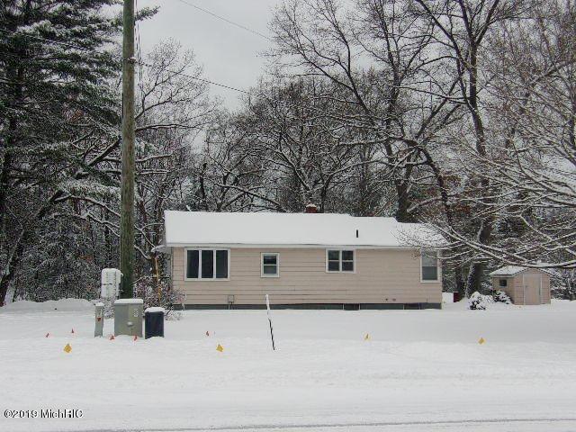 2244 Maple Road, Manistee, MI 49660 (MLS #19003137) :: Deb Stevenson Group - Greenridge Realty