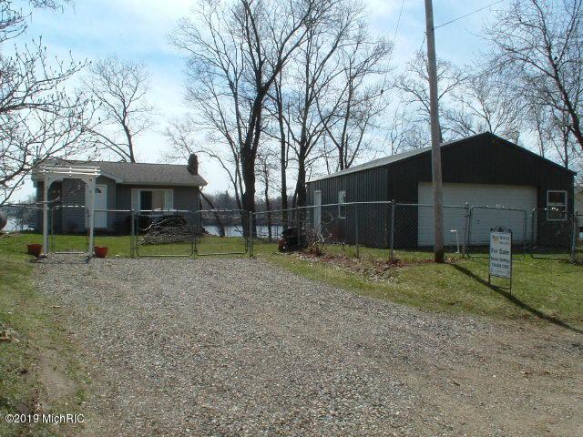 192 Tuttle Park Drive, Sherwood, MI 49089 (MLS #19014440) :: Deb Stevenson Group - Greenridge Realty