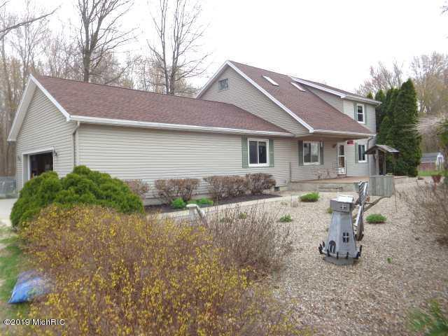 5605 Us Highway 12 W, Buchanan, MI 49107 (MLS #19016838) :: Matt Mulder Home Selling Team