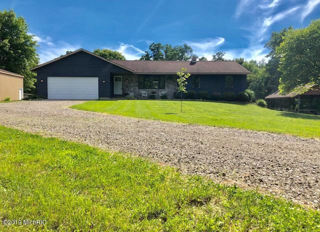 2754 Lincoln Road, Allegan, MI 49010 (MLS #19029038) :: Deb Stevenson Group - Greenridge Realty