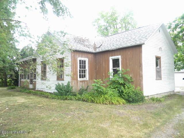 984 Evanston Avenue, Muskegon, MI 49442 (MLS #19033227) :: Deb Stevenson Group - Greenridge Realty