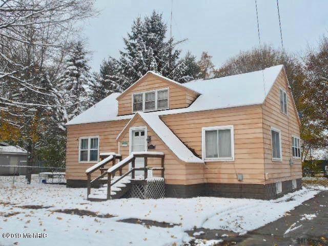 204 W Fourth Street, Scottville, MI 49454 (MLS #19054184) :: Deb Stevenson Group - Greenridge Realty