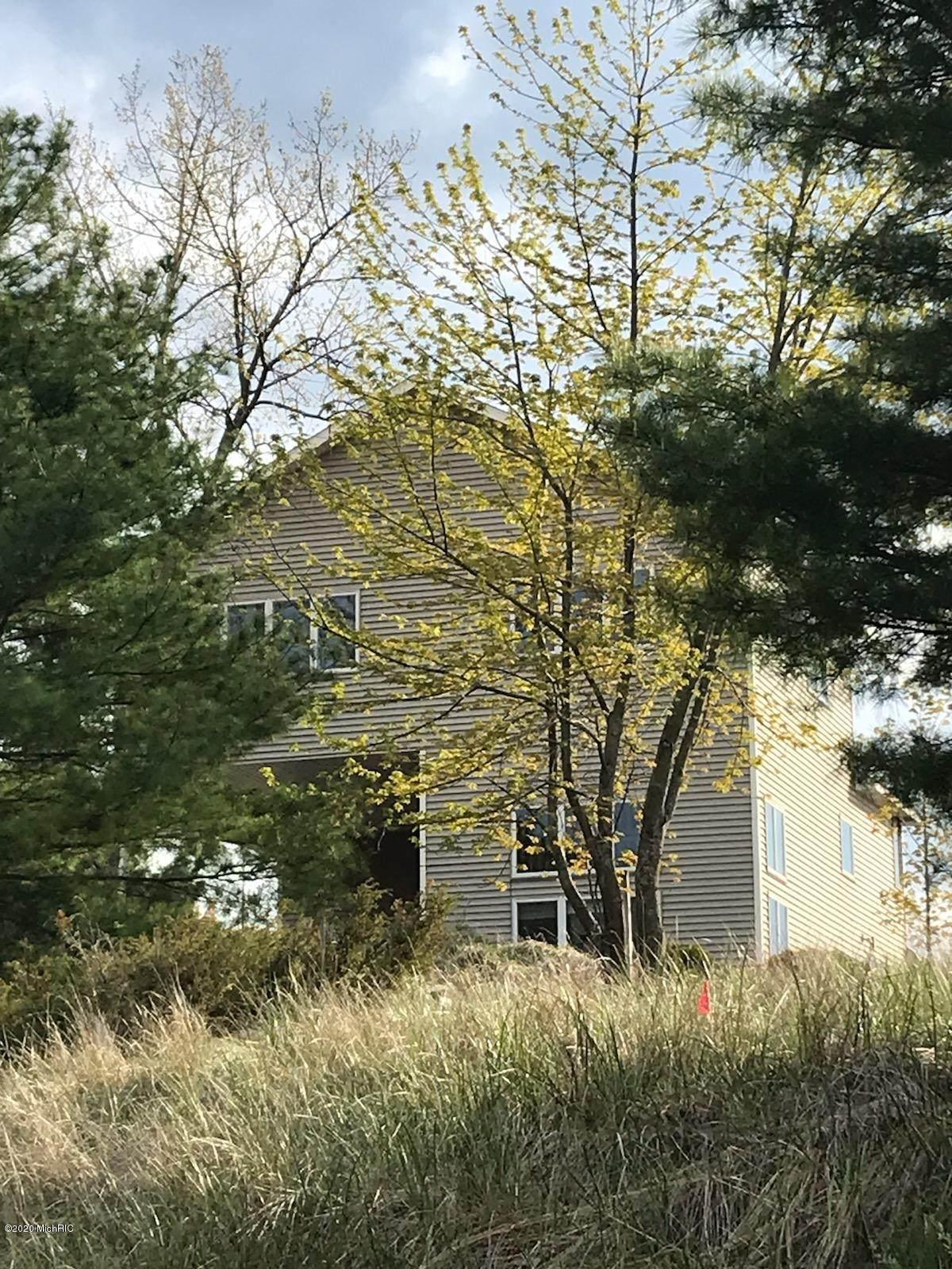 3861 Lakeview Drive - Photo 1