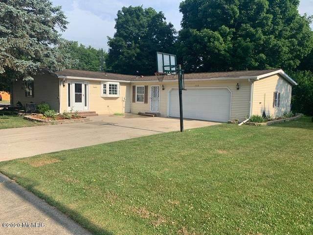 128 N Polk Street, Coldwater, MI 49036 (MLS #20010191) :: Deb Stevenson Group - Greenridge Realty