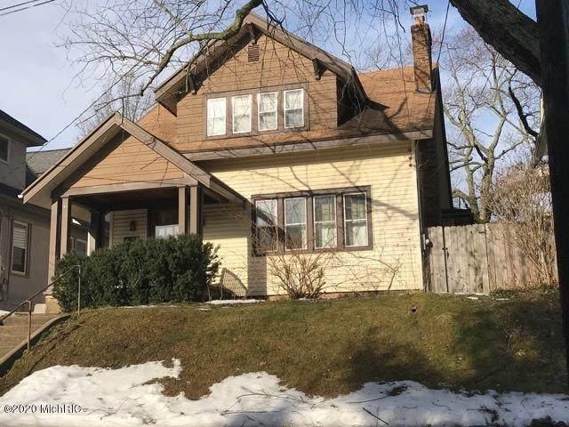 417 Rosewood SE, East Grand Rapids, MI 49506 (MLS #20011059) :: JH Realty Partners