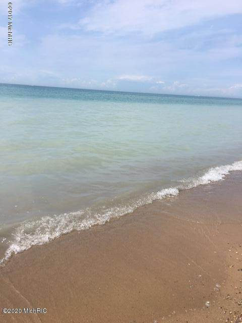 672 S Lakeshore Drive, Ludington, MI 49431 (MLS #20025655) :: JH Realty Partners