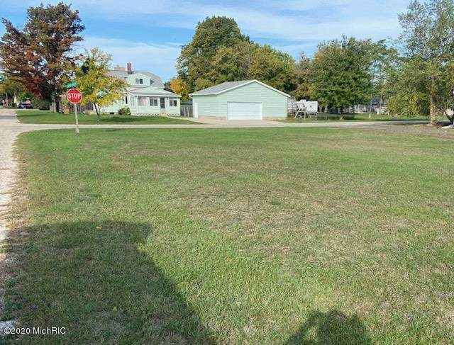 Ave C, Eastlake, MI 49626 (MLS #20041855) :: Deb Stevenson Group - Greenridge Realty