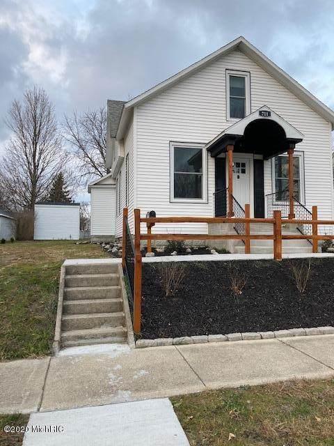 711 E Foster Street, Ludington, MI 49431 (MLS #20048598) :: JH Realty Partners