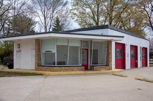 200-N N Beacon Boulevard, Grand Haven, MI 49417 (MLS #21014847) :: Your Kzoo Agents