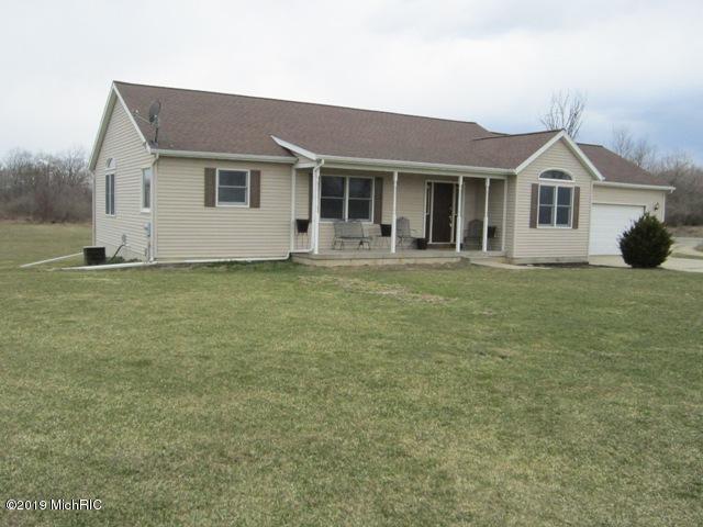 11587 Gilkey Lake Road, Delton, MI 49046 (MLS #19011539) :: Matt Mulder Home Selling Team