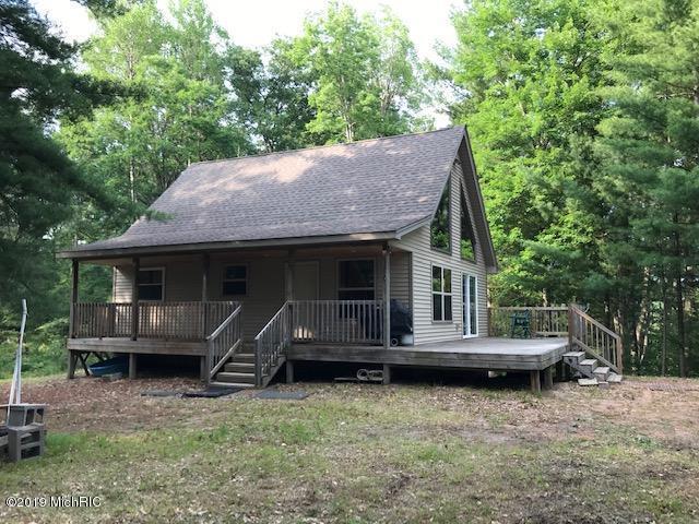 5812 S Forest Drive, Baldwin, MI 49304 (MLS #19034357) :: CENTURY 21 C. Howard
