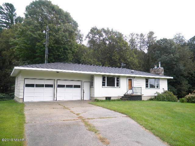 8028 N Old Channel Trail, Montague, MI 49437 (MLS #19043097) :: Deb Stevenson Group - Greenridge Realty