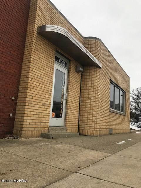 1140 Monroe Avenue - Photo 1