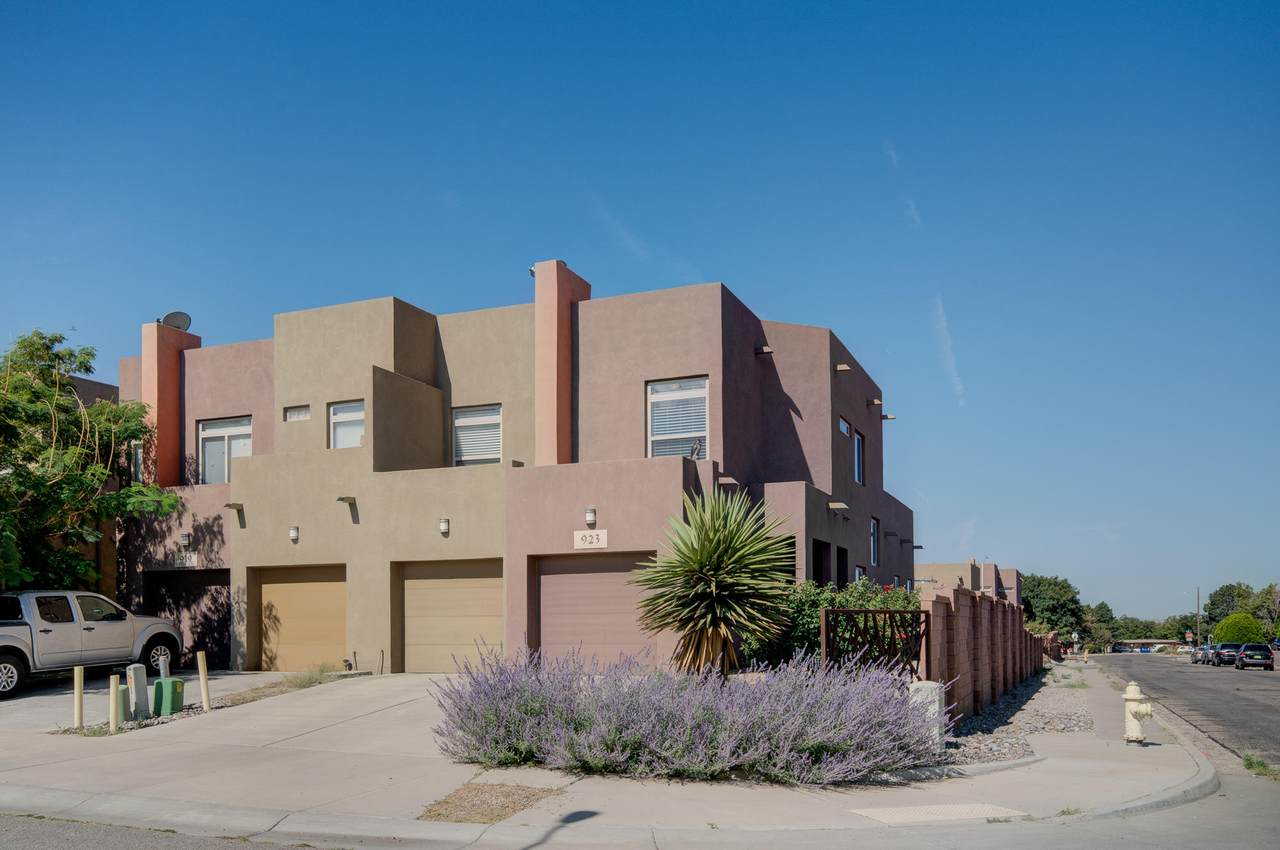 923 Tansion Court - Photo 1