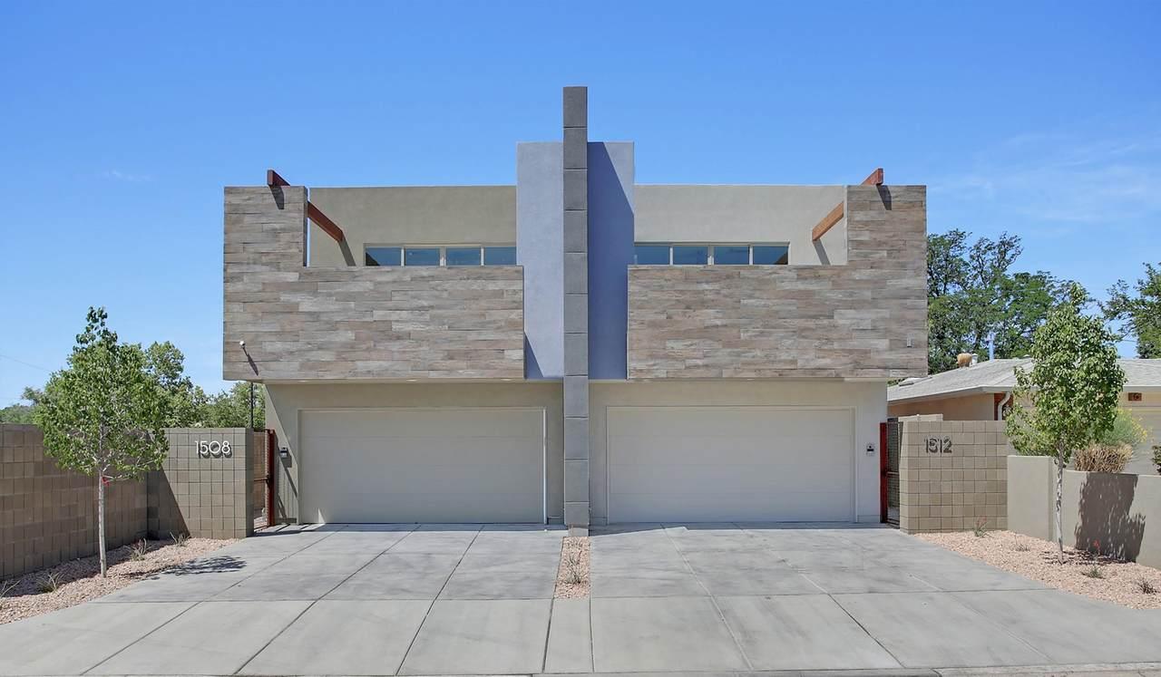 1512 San Patricio Avenue - Photo 1
