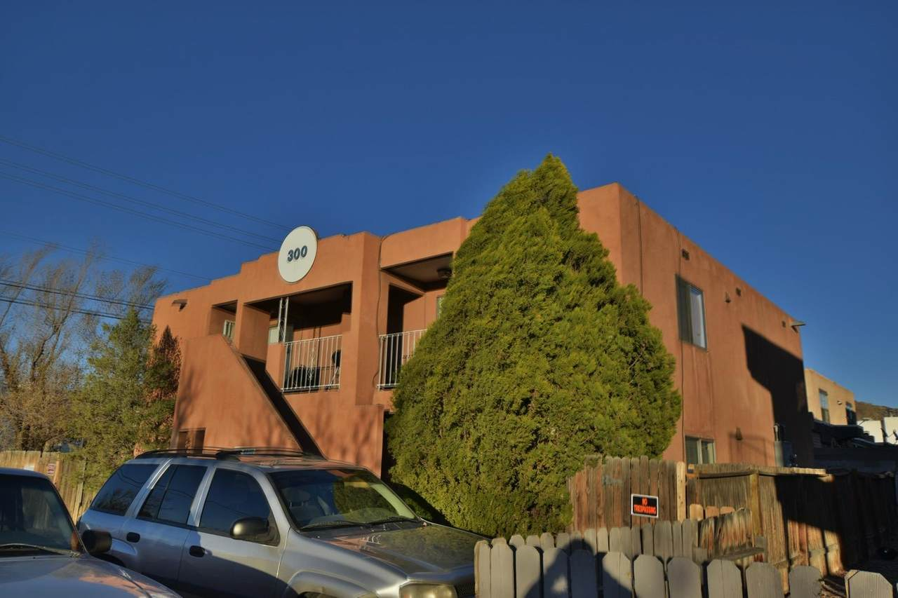 300 Whispering Sands Court - Photo 1