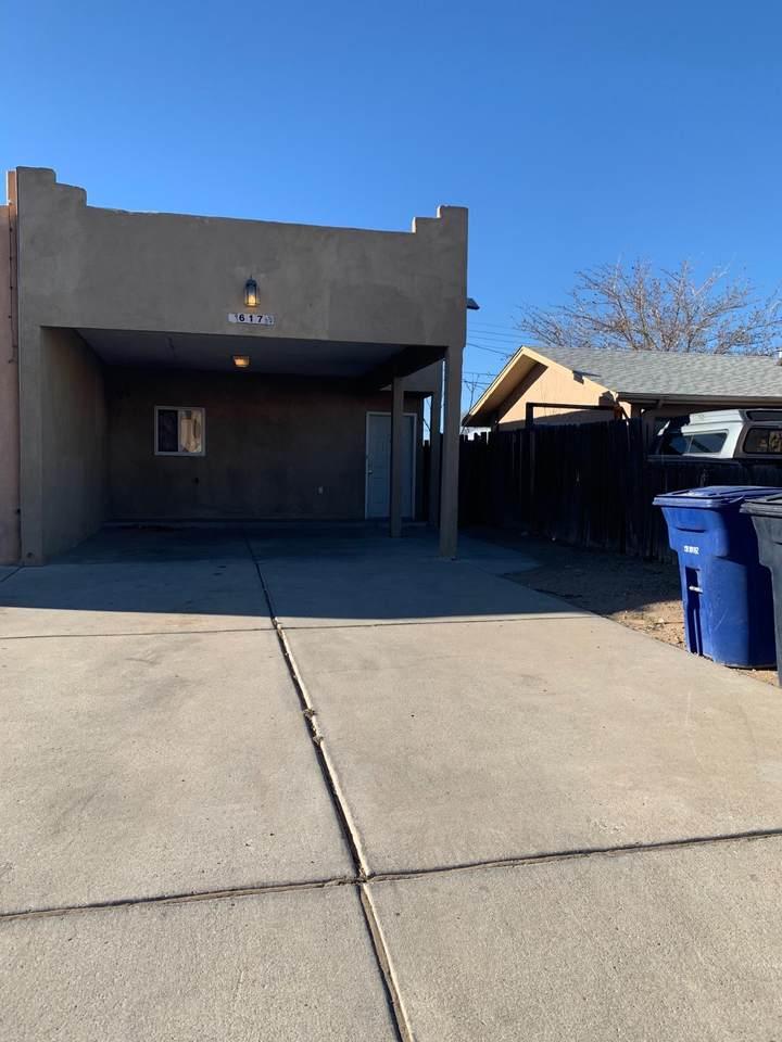 617 Desert Drive - Photo 1