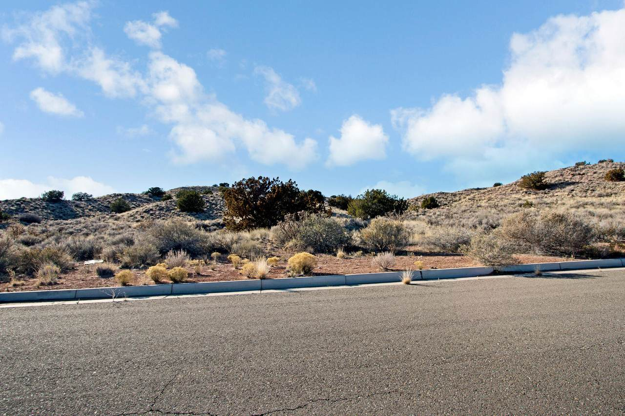 5733 Highland Meadows Drive Ne Drive - Photo 1