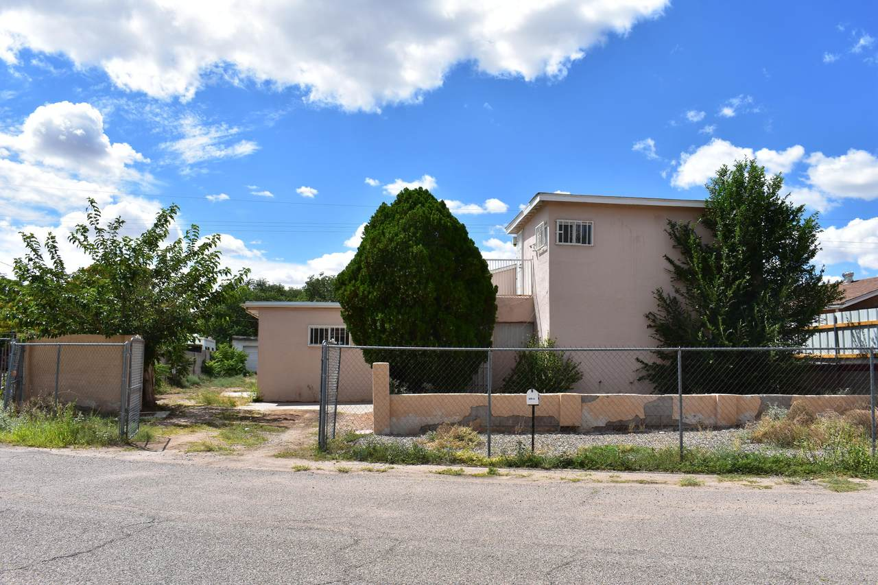 3917 Foothill Road - Photo 1
