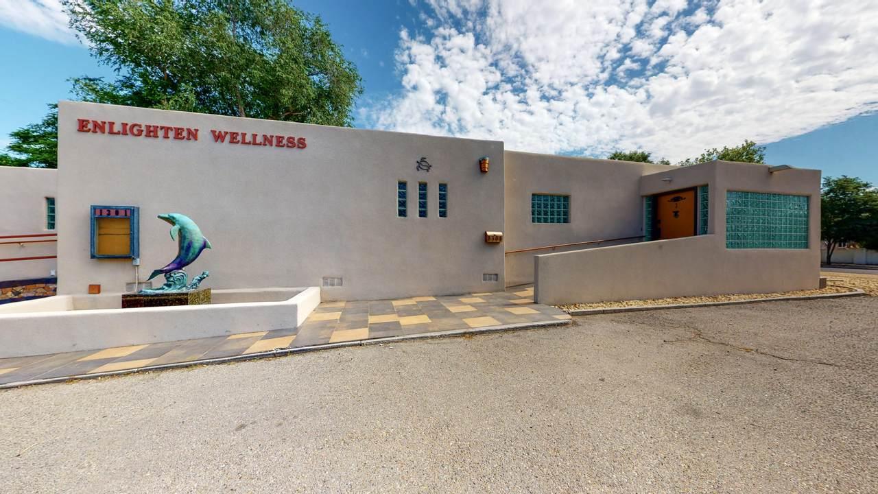 1301 Lomas Boulevard - Photo 1