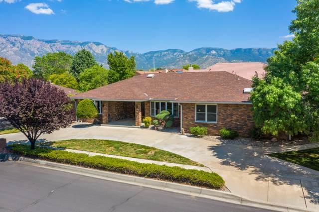5800 Royal Oak Drive NE, Albuquerque, NM 87111 (MLS #1000513) :: The Shear Team