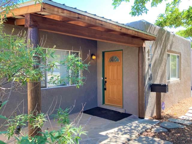 1710 Ross Place SE, Albuquerque, NM 87108 (MLS #1001171) :: The Buchman Group