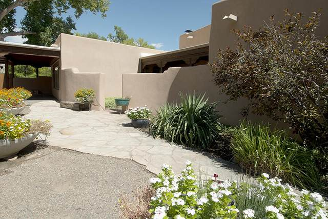 166 W La Entrada, Corrales, NM 87048 (MLS #1001182) :: Keller Williams Realty