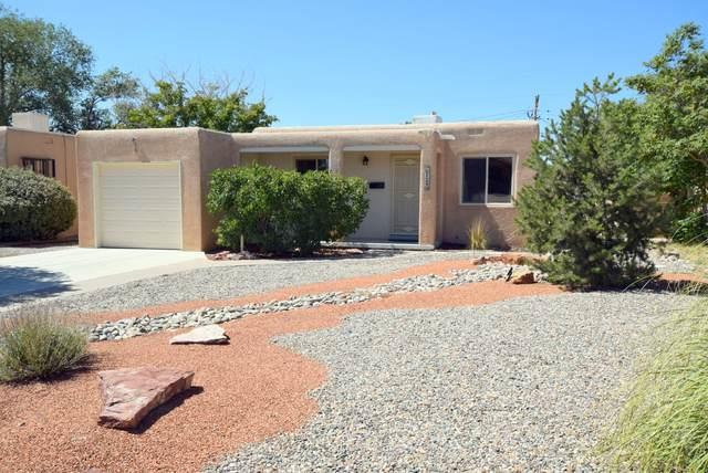 729 Valencia Drive SE, Albuquerque, NM 87108 (MLS #1001216) :: The Shear Team