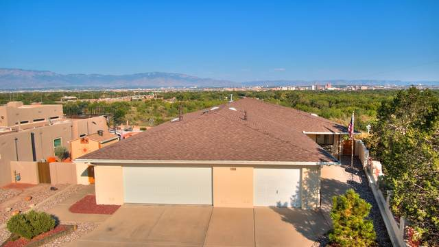 1808 Calle Del Vista Road NW, Albuquerque, NM 87105 (MLS #1001280) :: Keller Williams Realty