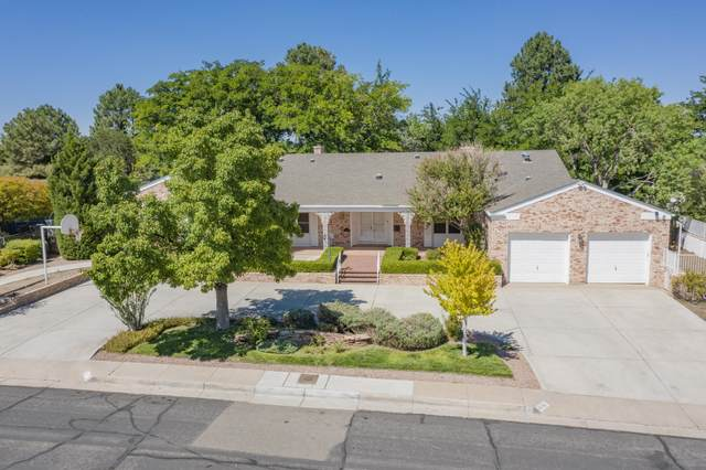 4401 Altura Avenue NE, Albuquerque, NM 87110 (MLS #1001447) :: Keller Williams Realty