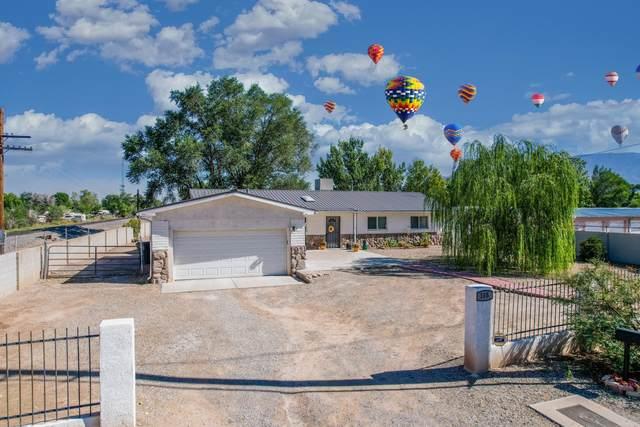 105 Ortega Road NE, Albuquerque, NM 87113 (MLS #1001522) :: Campbell & Campbell Real Estate Services