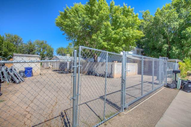 1901 Mae Avenue SW, Albuquerque, NM 87105 (MLS #1001553) :: Campbell & Campbell Real Estate Services