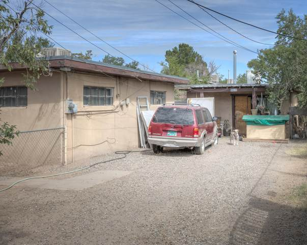 131 Willow Road NW, Albuquerque, NM 87107 (MLS #1001867) :: Keller Williams Realty
