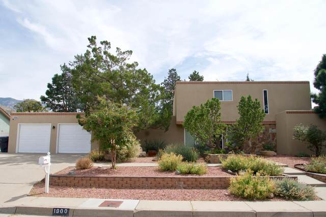1900 Paige Place NE, Albuquerque, NM 87112 (MLS #1001909) :: The Buchman Group