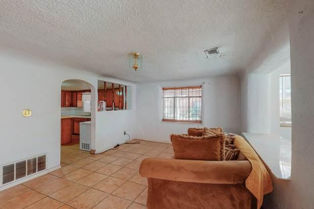 3102 Rosendo Garcia Road SW, Albuquerque, NM 87105 (MLS #1002210) :: Campbell & Campbell Real Estate Services