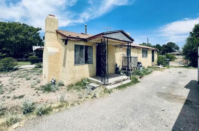 1535 Beverly Road SW, Albuquerque, NM 87105 (MLS #1002286) :: Keller Williams Realty