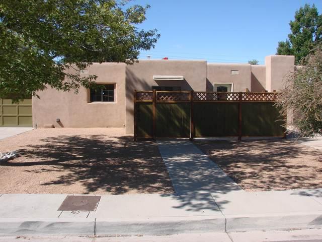 7405 Skycourt Circle NE, Albuquerque, NM 87110 (MLS #1002289) :: Campbell & Campbell Real Estate Services