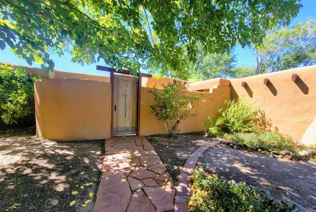 49 Garden Park Circle NW, Albuquerque, NM 87107 (MLS #1002292) :: Keller Williams Realty