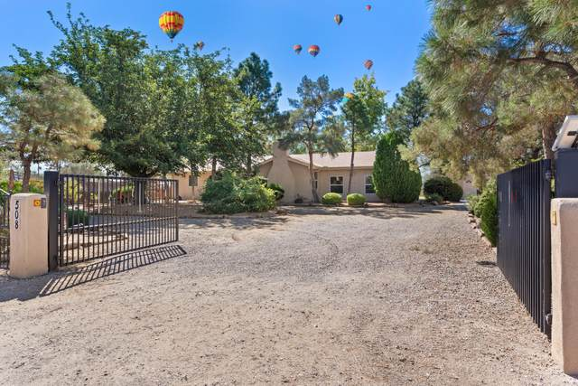 508 Ortega Road NW, Los Ranchos, NM 87114 (MLS #1002395) :: HergGroup Albuquerque