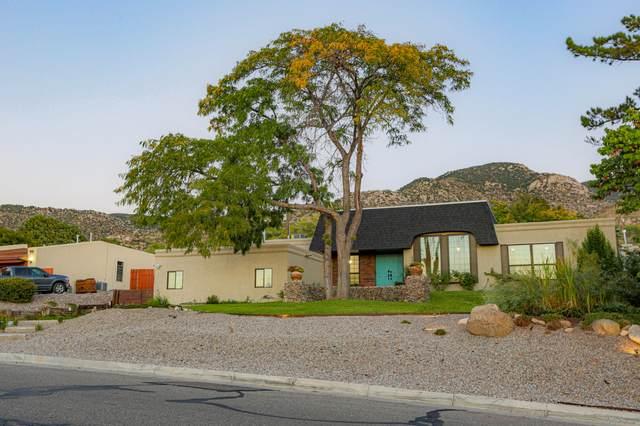 4700 Glenwood Hills Drive NE, Albuquerque, NM 87111 (MLS #1002602) :: Keller Williams Realty