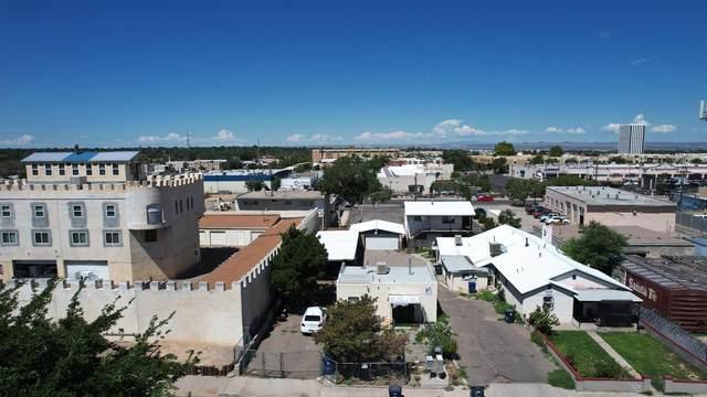 321 Arizona Street SE, Albuquerque, NM 87108 (MLS #1002733) :: Keller Williams Realty