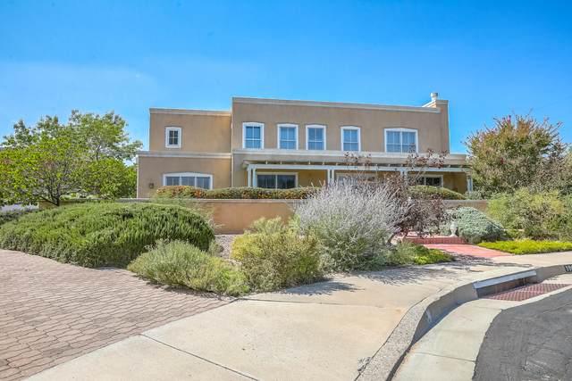 1905 Avenida Alturas NE, Albuquerque, NM 87110 (MLS #1002771) :: Berkshire Hathaway HomeServices Santa Fe Real Estate
