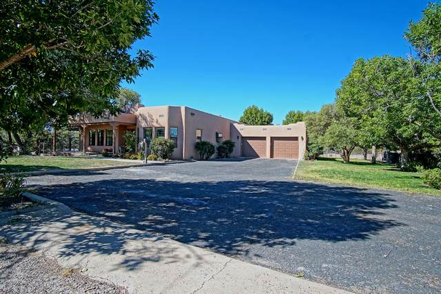 626 Vineyard Road NE, Albuquerque, NM 87113 (MLS #1002851) :: Campbell & Campbell Real Estate Services