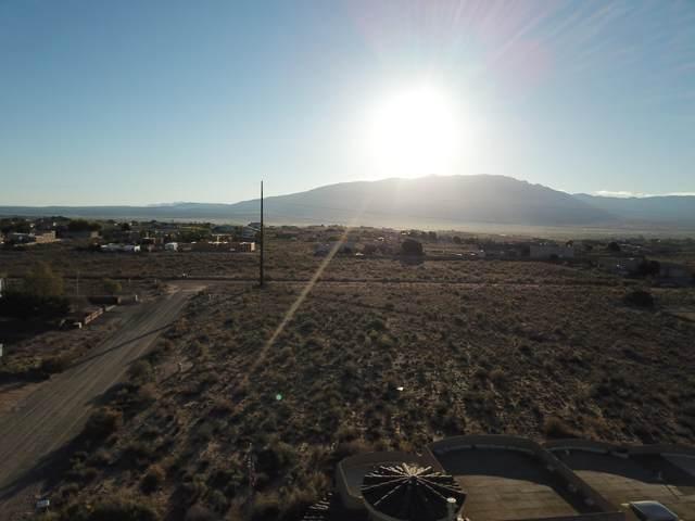 4548 17th Ave NE, Rio Rancho, NM 87144 (MLS #1002966) :: Sandi Pressley Team