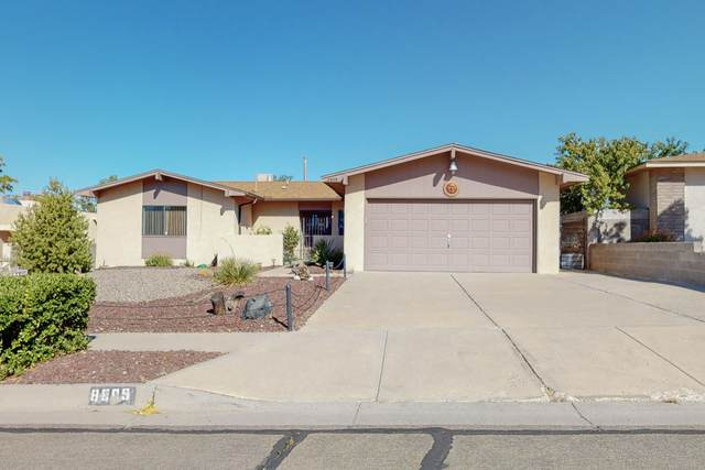 8809 Yankee Drive NE, Albuquerque, NM 87109 (MLS #1003041) :: Sandi Pressley Team