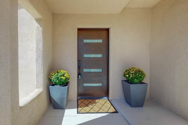 30 Tierra Monte Drive NE, Albuquerque, NM 87122 (MLS #1003049) :: Campbell & Campbell Real Estate Services