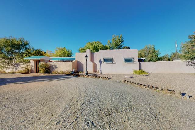 4100 Dietz Court NW, Los Ranchos, NM 87107 (MLS #1003134) :: Campbell & Campbell Real Estate Services