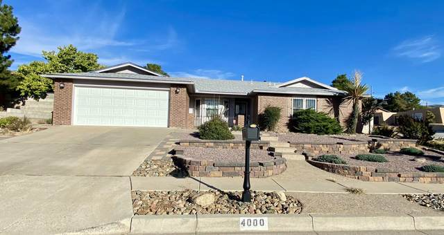 4000 Shenandoah Place NE, Albuquerque, NM 87111 (MLS #1003138) :: Keller Williams Realty