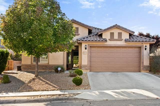 225 Paseo Vista Loop NE, Rio Rancho, NM 87124 (MLS #1003267) :: Campbell & Campbell Real Estate Services